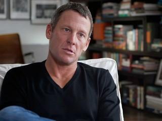 Armstrong ľutuje, že sa skrýval za rakovinu