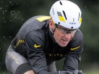 Lance Armstrong bol falošný hráč