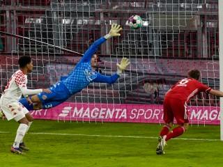 Prehrával o dva góly, vyhral rozdielom triedy. Bayern vstúpil do nového roku bláznivo