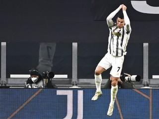 Cristiano Ronaldo prekonal Pelého. Pred sebou má už len jedného futbalistu