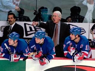 S Edmontonom získal päťkrát Stanleyho pohár. Zomrel úspešný tréner NHL