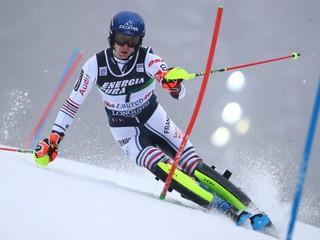 Francúz môže napodobniť Vlhovú, po prvom kole vedie slalom v Záhrebe