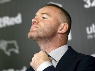 Ešte v tejto sezóne bol hráčom. Rooney oficiálne prevzal post trénera