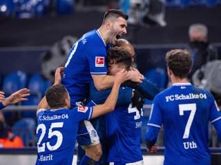 Schalke nebude historicky najhoršie. Schick skóroval, Duda nemal svoj deň