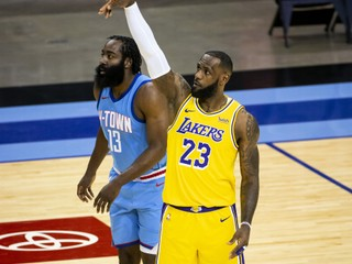 Hráči Lakers nedali šancu Houstonu a upevnili si post lídra NBA