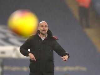 Rodákov Fulham zaskočil Tottenham, Manchester City sa natrápil s outsiderom