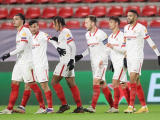 Sevilla môže ďalej snívať o titule, vo Vigu padlo až sedem gólov