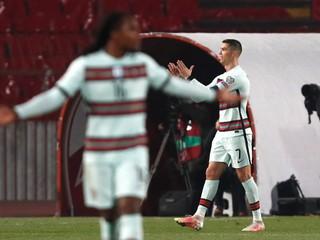Portugalci sa hnevajú, že v kvalifikácii nie je VAR. Podľa UEFA to spomalila pandémia
