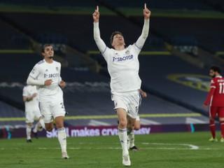 Leeds zaskočil ďalšieho favorita, Liverpool prišiel o body tesne pred koncom