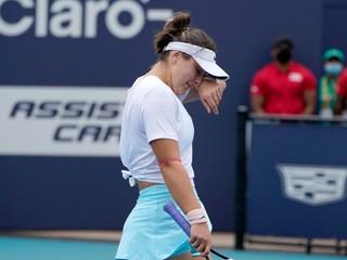 Andreescuová mala slzy v očiach, finále v Miami musela skrečovať