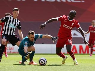 Skvelými zákrokmi zastavil hviezdy Liverpoolu. Dúbravka sa dostal do zostavy kola