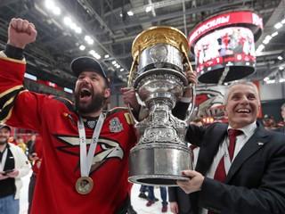 Kovaľčuk bol môj agent. Kanadský sklár dobyl hokejové Rusko