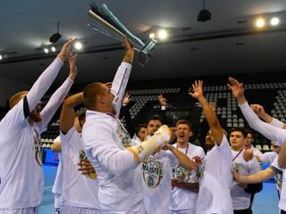 Prešovčania si pochutnali na šestnástom titule. Výnimočná sezóna, vravia