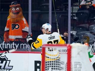 Útočník s českými koreňmi vytočil Crosbyho. Ich súboj pripomínal wrestling