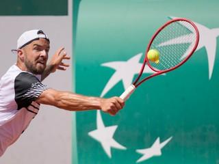 Molčan sa dostal do finále kvalifikácie Wimbledonu, darilo sa dvom Slovenkám
