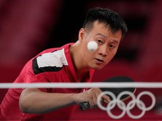 Wang Jang sa neubránil, stolný tenista vypadol po prehre s Japoncom