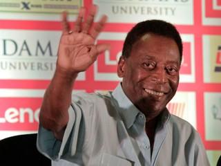 Pelé už po operácii bicykluje. Čoskoro budem hrať za Santos, vtipkuje