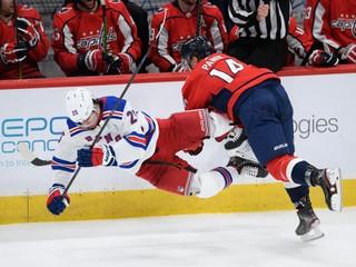 Stal sa stabilnou oporou v NHL. Český hokejista bude pokračovať v drese Rangers