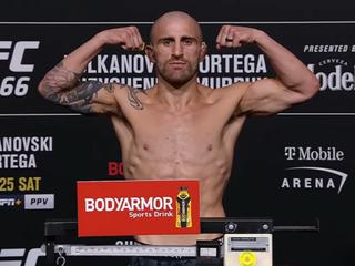 VIDEO: Váženie pred turnajom UFC 266 | Volkanovski vs. Ortega