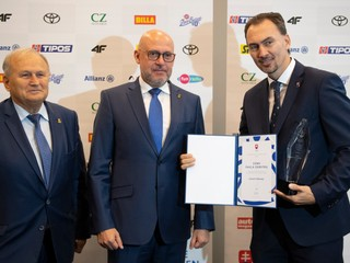 Chára získal na Slovensku trofej, ceny dostali Vlhová či Višňovský