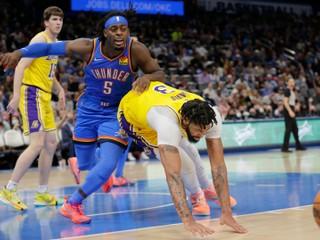 Lakers viedli o 26 bodov, svoj náskok neudržali a prehrali