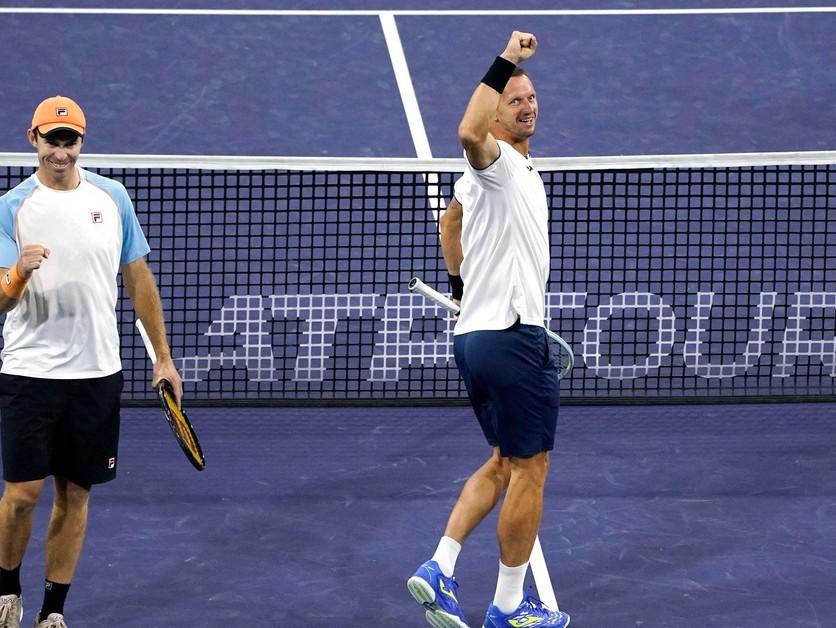 Poláška vo finále museli ošetrovať. Z Indian Wells si odnášajú státisíce