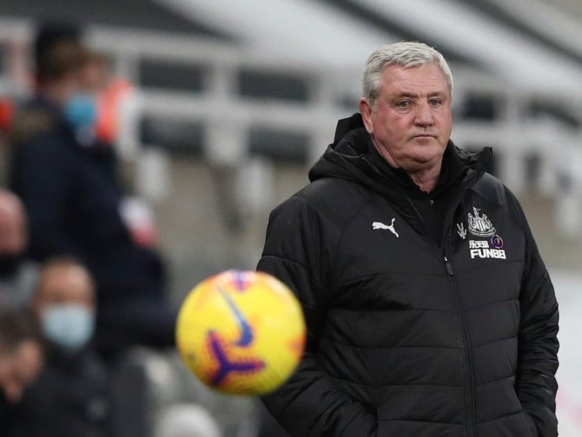 V Newcastle zmenili trénera. Nový kouč bol najprv nahnevaný