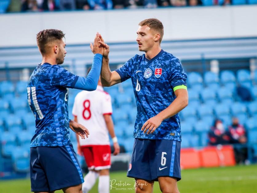 U21 – Kapitán Pokorný so spoluhráčmi Mesíkom a Kóšom hodnotia výhru nad Maltou