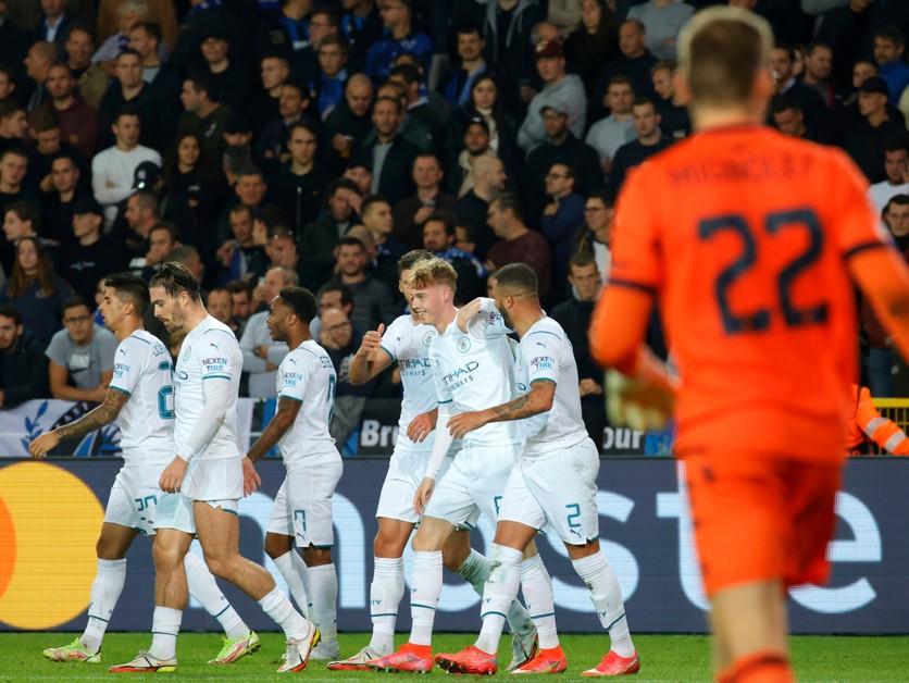 Sporting vykúpili dva góly stopéra, Manchester City deklasoval outsidera