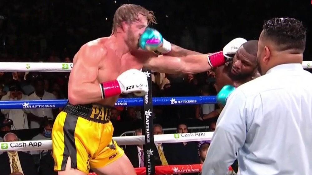 Youtuber vydržal s Mayweatherom v ringu osem kôl. Prekvapil ma, priznal Mayweather